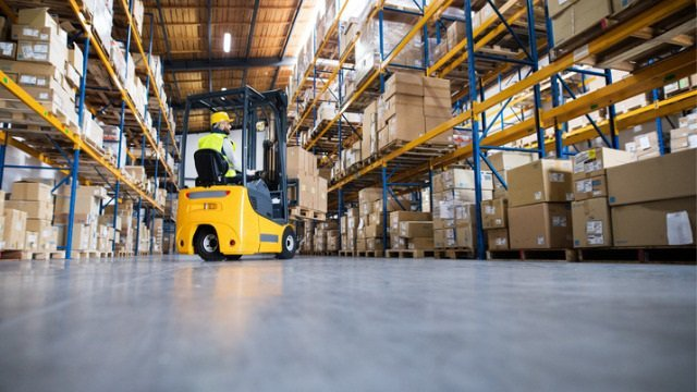 Warehouse management software that tells you picking and dispatching orders